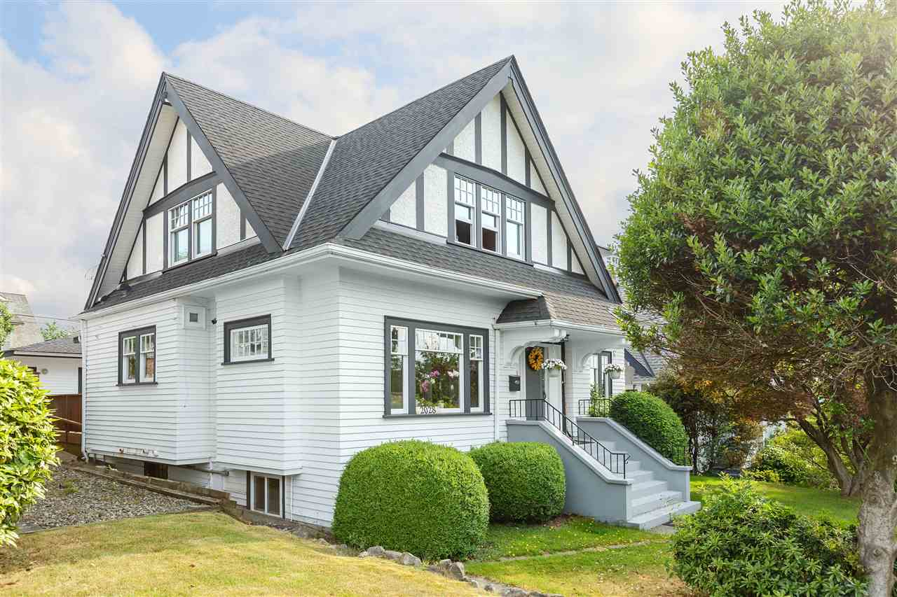 Main Photo: 2028 W 35TH Avenue in Vancouver: Quilchena House for sale (Vancouver West)  : MLS®# R2278084