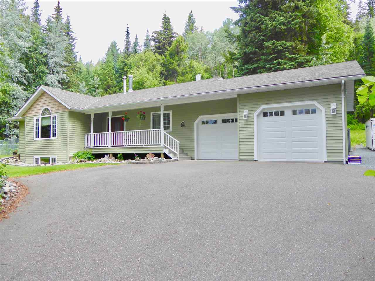 Main Photo: 8744 NORTH NECHAKO Road in Prince George: Nechako Bench House for sale (PG City North (Zone 73))  : MLS®# R2284813