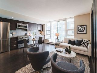 "Main Photo: 503 1708 COLUMBIA Street in Vancouver: False Creek Condo for sale in ""WALL CENTRE FALSE CREEK WEST"" (Vancouver West)  : MLS®# R2285631"