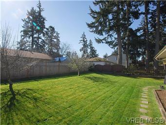 Photo 20: 709 Kelly Road in VICTORIA: Co Hatley Park Single Family Detached for sale (Colwood)  : MLS® # 292621