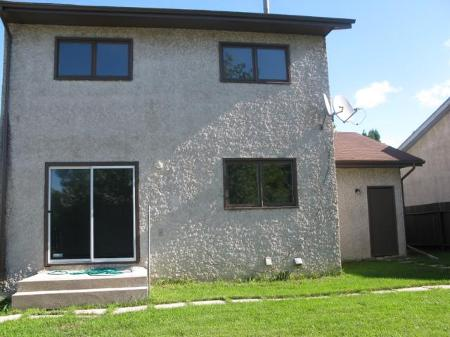 Photo 3: Photos: 62 THURLBY RD in Winnipeg: Residential for sale (Sun Valley)  : MLS®# 1017900