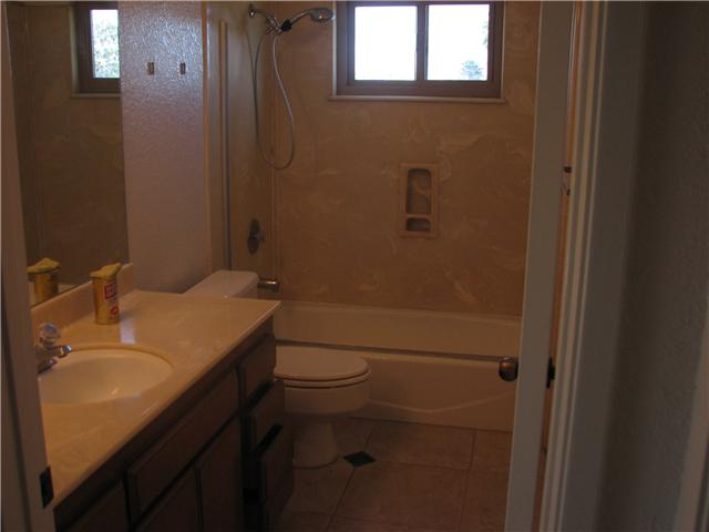 Photo 6: CLAIREMONT Home for sale or rent : 2 bedrooms : 4415 Clairemont #3 in San Diego