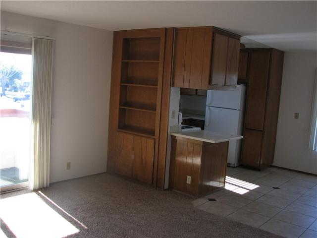 Photo 4: CLAIREMONT Home for sale or rent : 2 bedrooms : 4415 Clairemont #3 in San Diego
