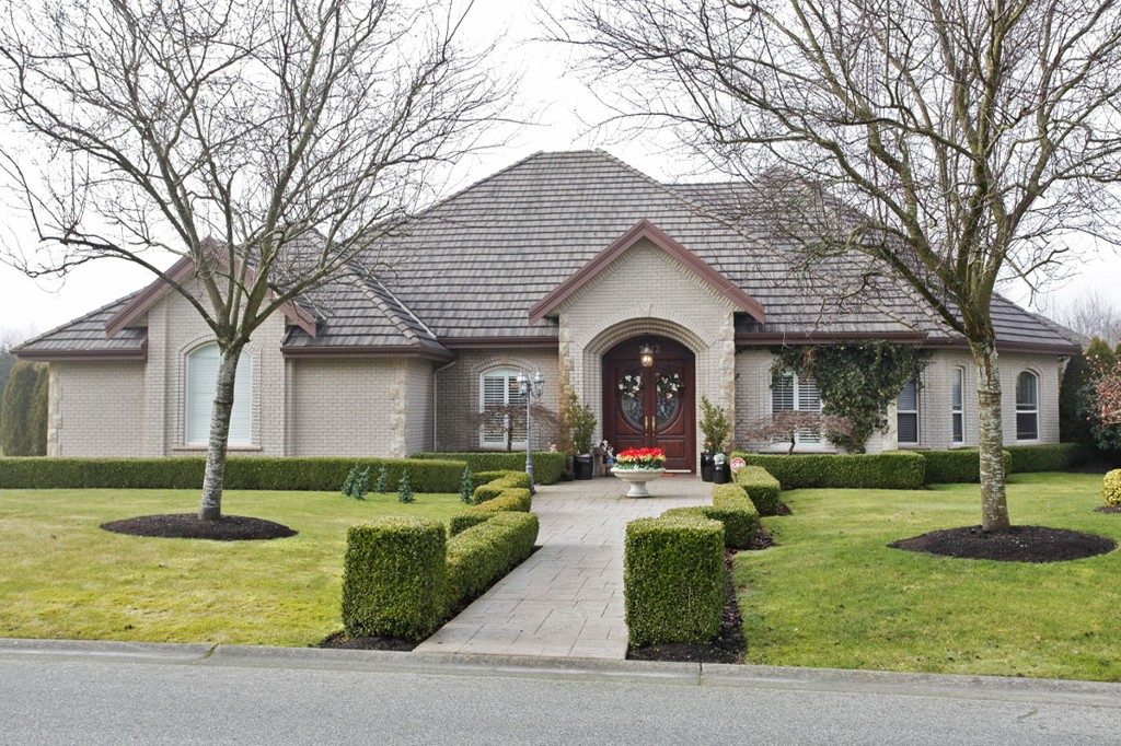 "Main Photo: 2313 CHANTRELL PARK Drive in Surrey: Elgin Chantrell House for sale in ""CHANTRELL PARK"" (South Surrey White Rock)  : MLS(r) # F1401872"