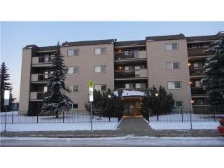 Main Photo:  in Edmonton: Zone 35 Condo for sale : MLS(r) # E3395526