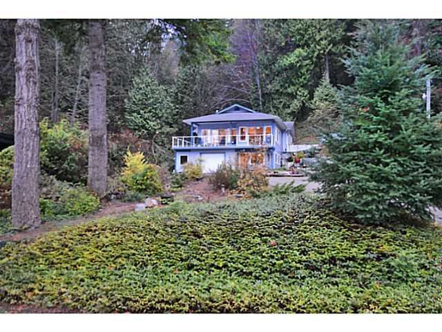 Main Photo: 1844 OCEAN BEACH Esplanade in Gibsons: Gibsons & Area House for sale (Sunshine Coast)  : MLS(r) # V1095167