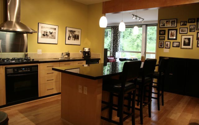 Photo 2: 202 560 Raven Woods Drive in Raven Woods: Roche Point Home for sale ()