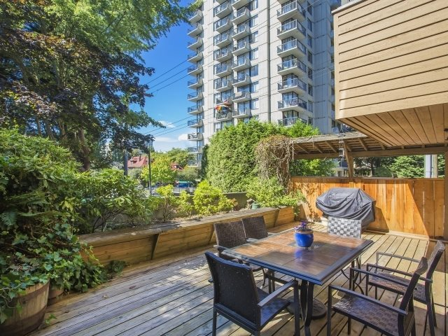 "Main Photo: 211 1435 NELSON Street in Vancouver: West End VW Condo for sale in ""WESTPORT"" (Vancouver West)  : MLS®# R2020182"