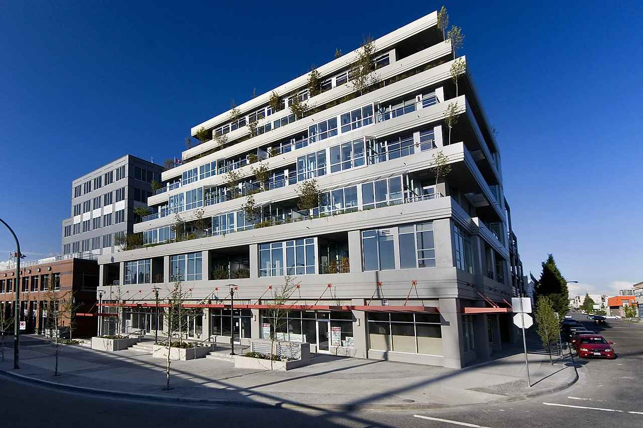 Main Photo: 502 495 W 6TH Avenue in Vancouver: False Creek Condo for sale (Vancouver West)  : MLS® # R2065744