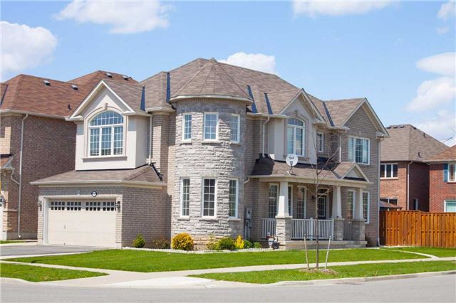 Main Photo: 7269 Golden Meadow Court in Mississauga: Meadowvale Village House (2-Storey) for sale : MLS(r) # W3497792