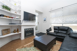 "Main Photo: 112 108 W ESPLANADE Avenue in North Vancouver: Lower Lonsdale Condo for sale in ""TRADEWINDS"" : MLS® # R2100797"