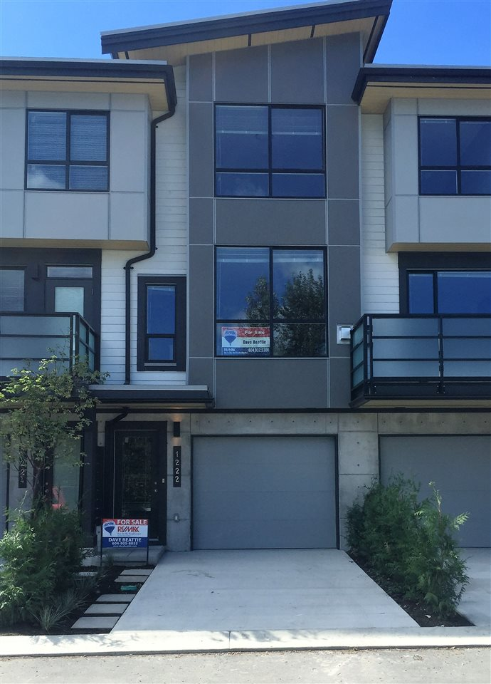 "Main Photo: 1222 SHANNON Lane in Squamish: Downtown SQ Townhouse for sale in ""The Falls at Eaglewind"" : MLS® # R2107690"