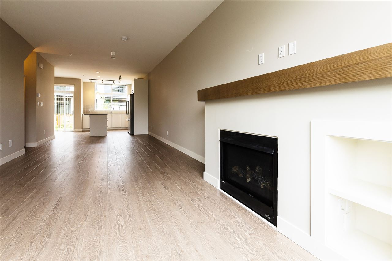 "Photo 7: 1222 SHANNON Lane in Squamish: Downtown SQ Townhouse for sale in ""The Falls at Eaglewind"" : MLS® # R2107690"