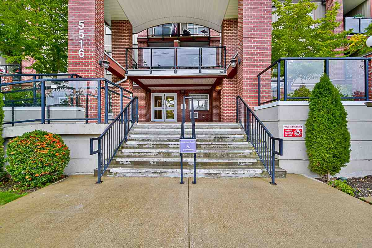 "Main Photo: 117 5516 198 Street in Langley: Langley City Condo for sale in ""Madison Villas"" : MLS® # R2115053"