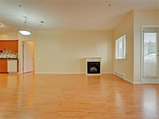 Photo 5: 206 360 Goldstream Avenue in VICTORIA: Co Colwood Corners Condo Apartment for sale (Colwood)  : MLS(r) # 372772
