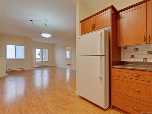 Photo 9: 206 360 Goldstream Avenue in VICTORIA: Co Colwood Corners Condo Apartment for sale (Colwood)  : MLS(r) # 372772