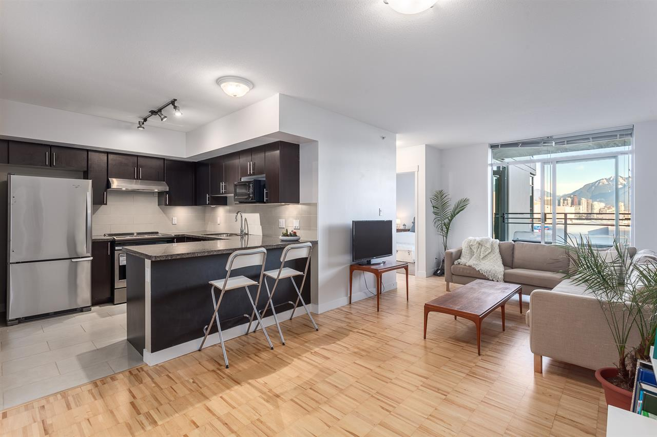 "Main Photo: 307 2520 MANITOBA Street in Vancouver: Mount Pleasant VW Condo for sale in ""THE VUE"" (Vancouver West)  : MLS(r) # R2138361"