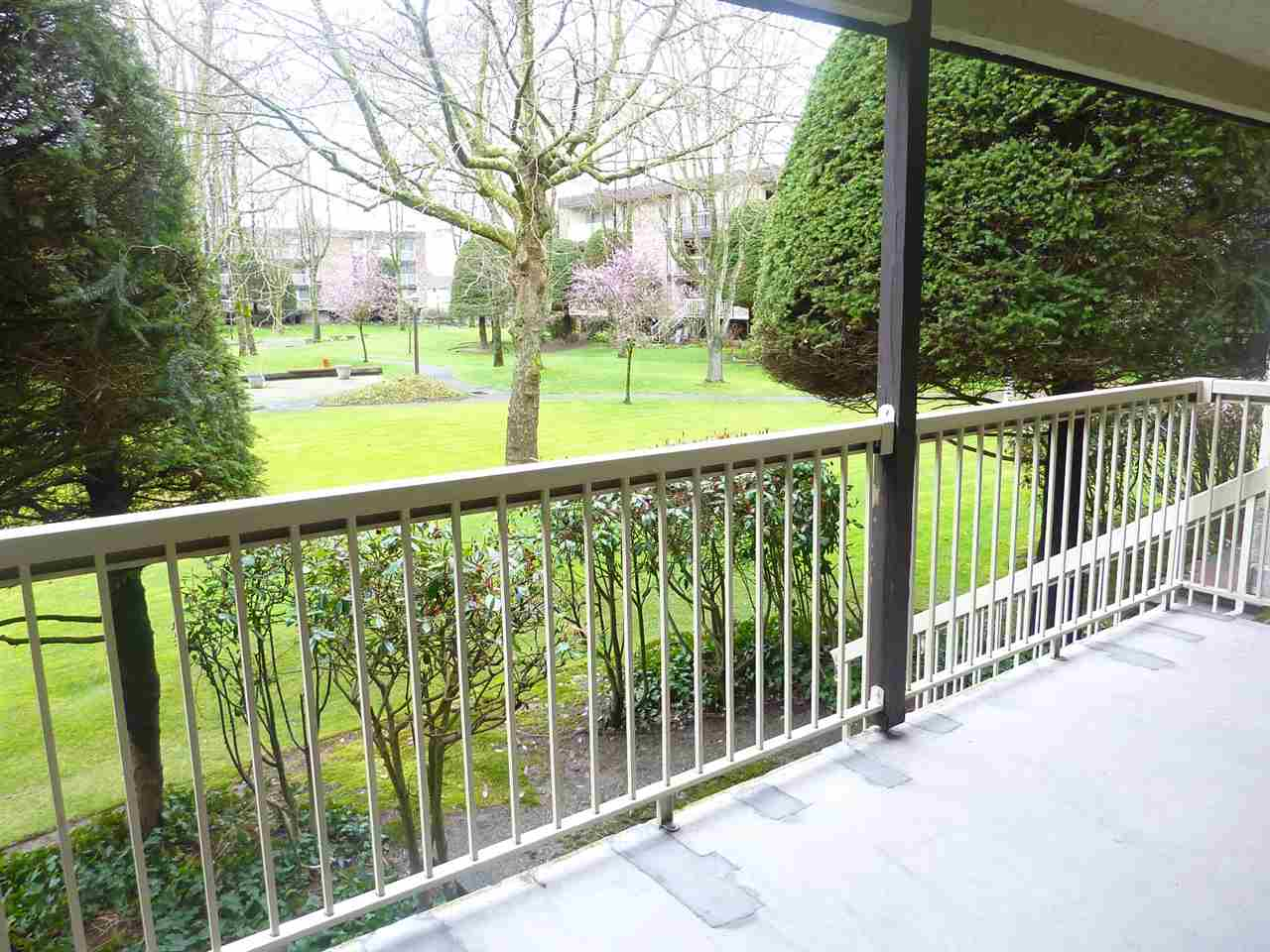 "Photo 12: 120 10631 NO 3 Road in Richmond: Broadmoor Condo for sale in ""ADMIRALS WALK"" : MLS(r) # R2149695"