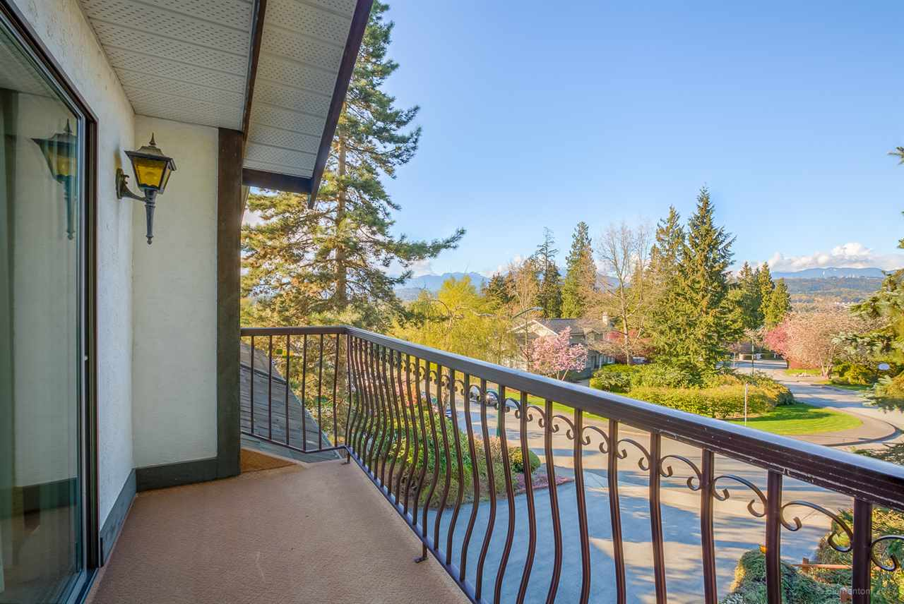 "Photo 18: 7505 LAMBETH Drive in Burnaby: Buckingham Heights House for sale in ""BUCKINGHAM HEIGHTS"" (Burnaby South)  : MLS® # R2161414"