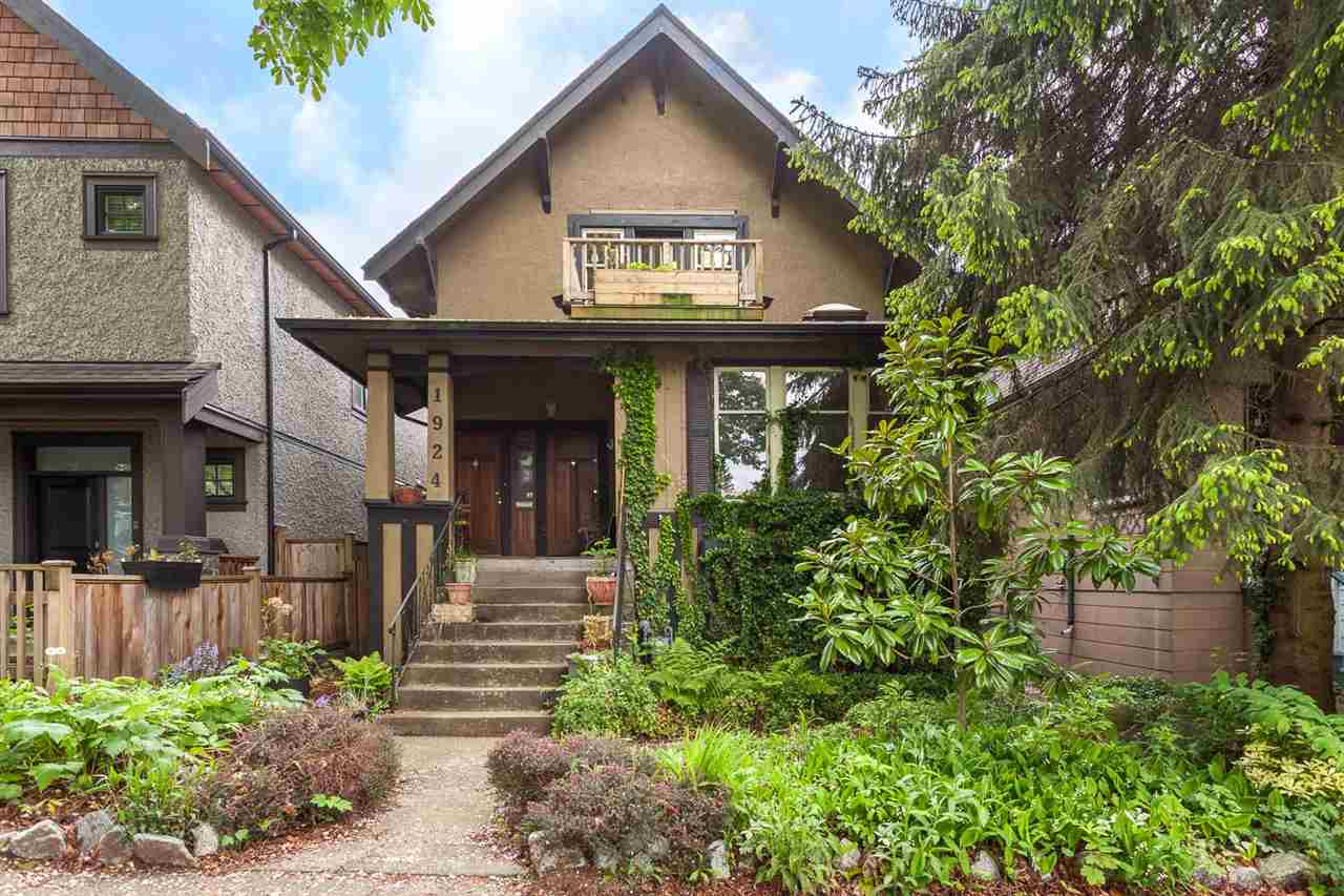"Main Photo: 1924 KITCHENER Street in Vancouver: Grandview VE House for sale in ""COMMERCIAL DRIVE"" (Vancouver East)  : MLS® # R2168813"
