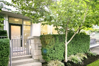 "Main Photo: 1437 HOWE Street in Vancouver: Yaletown Townhouse for sale in ""Pomaria"" (Vancouver West)  : MLS(r) # R2178948"