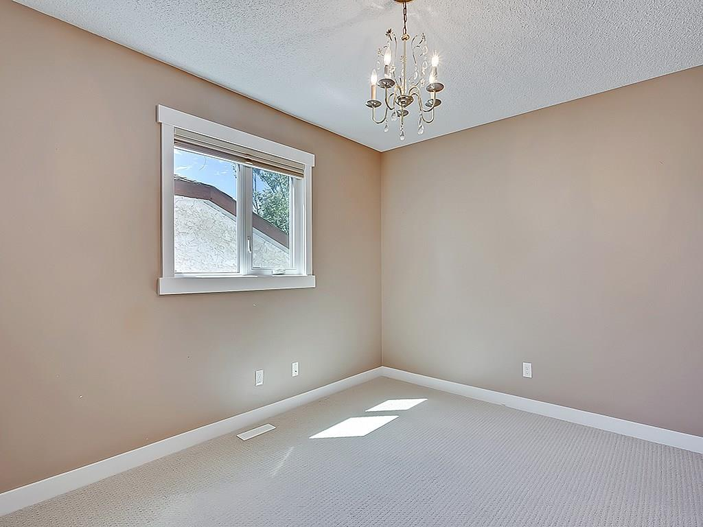 Photo 30: 31 WOODMONT Way SW in Calgary: Woodbine House for sale : MLS(r) # C4125485