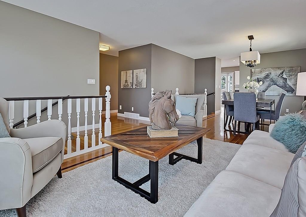 Photo 7: 31 WOODMONT Way SW in Calgary: Woodbine House for sale : MLS(r) # C4125485
