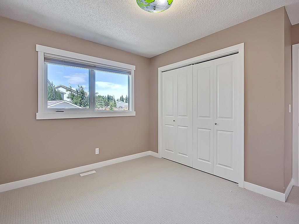 Photo 29: 31 WOODMONT Way SW in Calgary: Woodbine House for sale : MLS(r) # C4125485