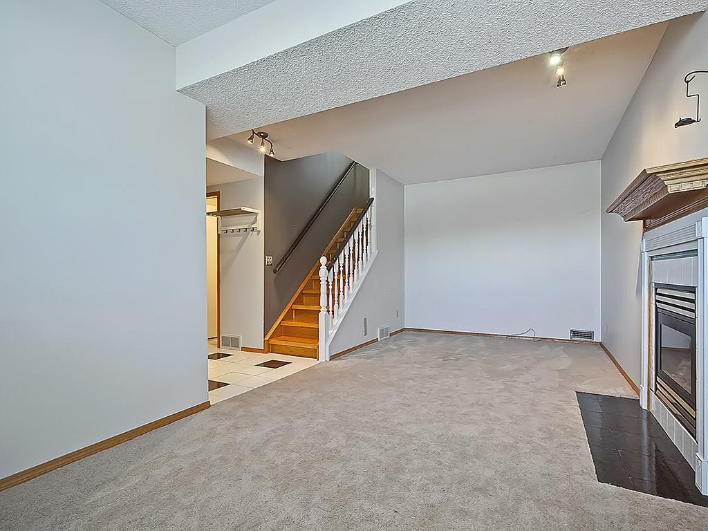 Photo 33: 31 WOODMONT Way SW in Calgary: Woodbine House for sale : MLS(r) # C4125485