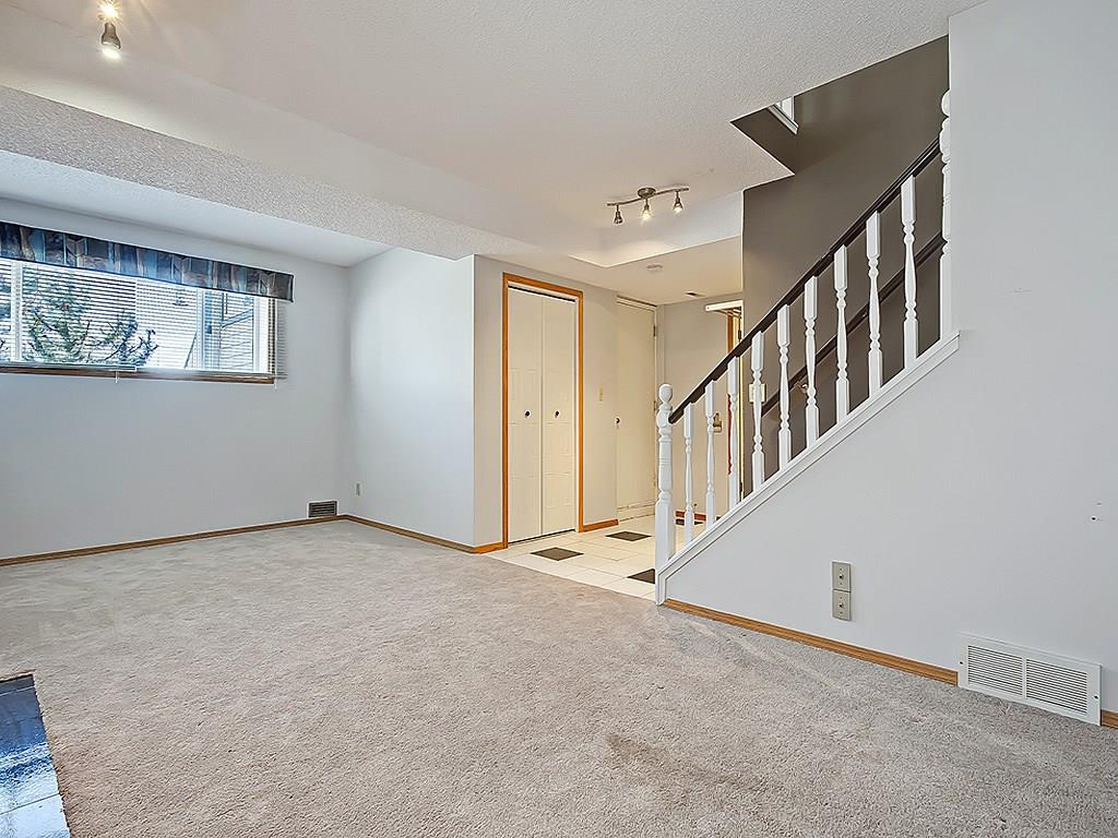 Photo 32: 31 WOODMONT Way SW in Calgary: Woodbine House for sale : MLS(r) # C4125485