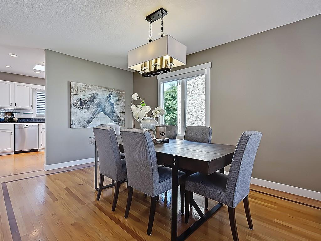 Photo 11: 31 WOODMONT Way SW in Calgary: Woodbine House for sale : MLS(r) # C4125485