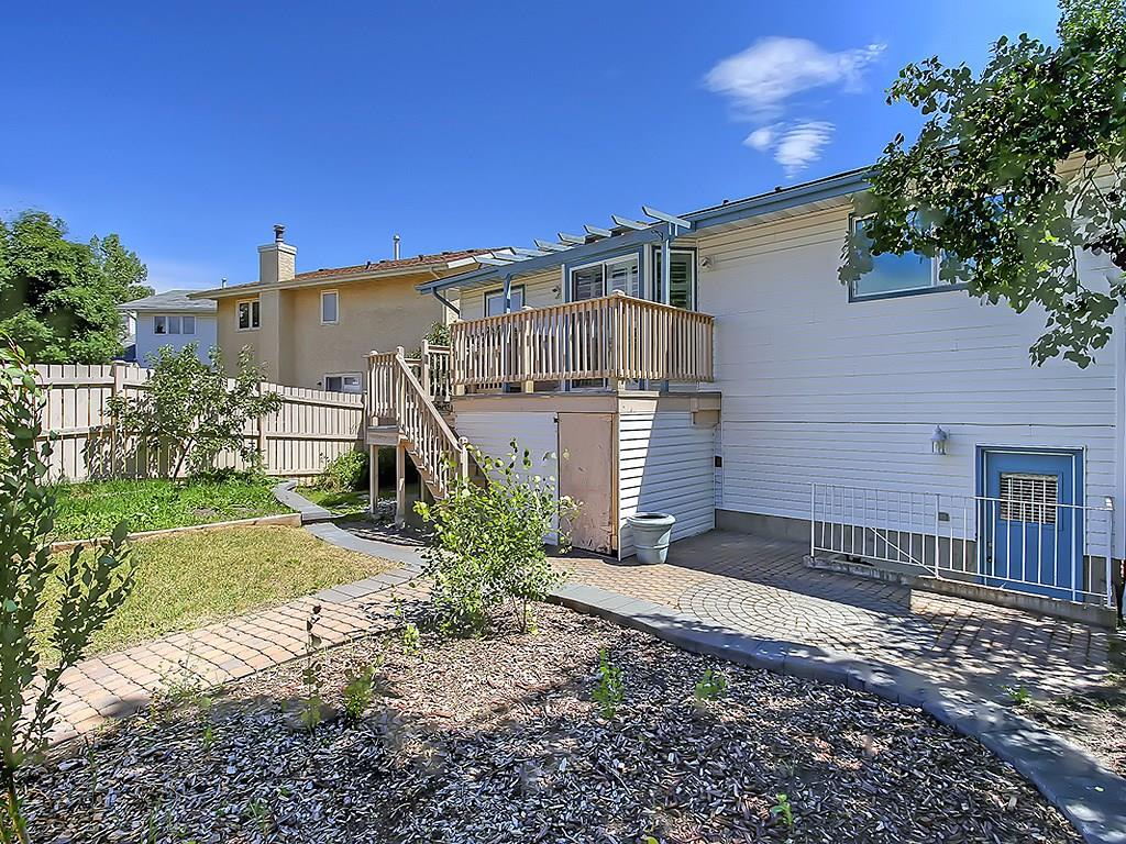 Photo 46: 31 WOODMONT Way SW in Calgary: Woodbine House for sale : MLS(r) # C4125485
