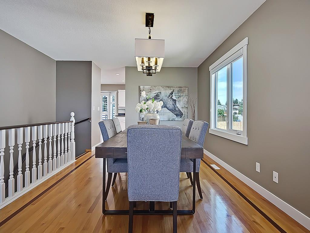 Photo 9: 31 WOODMONT Way SW in Calgary: Woodbine House for sale : MLS(r) # C4125485