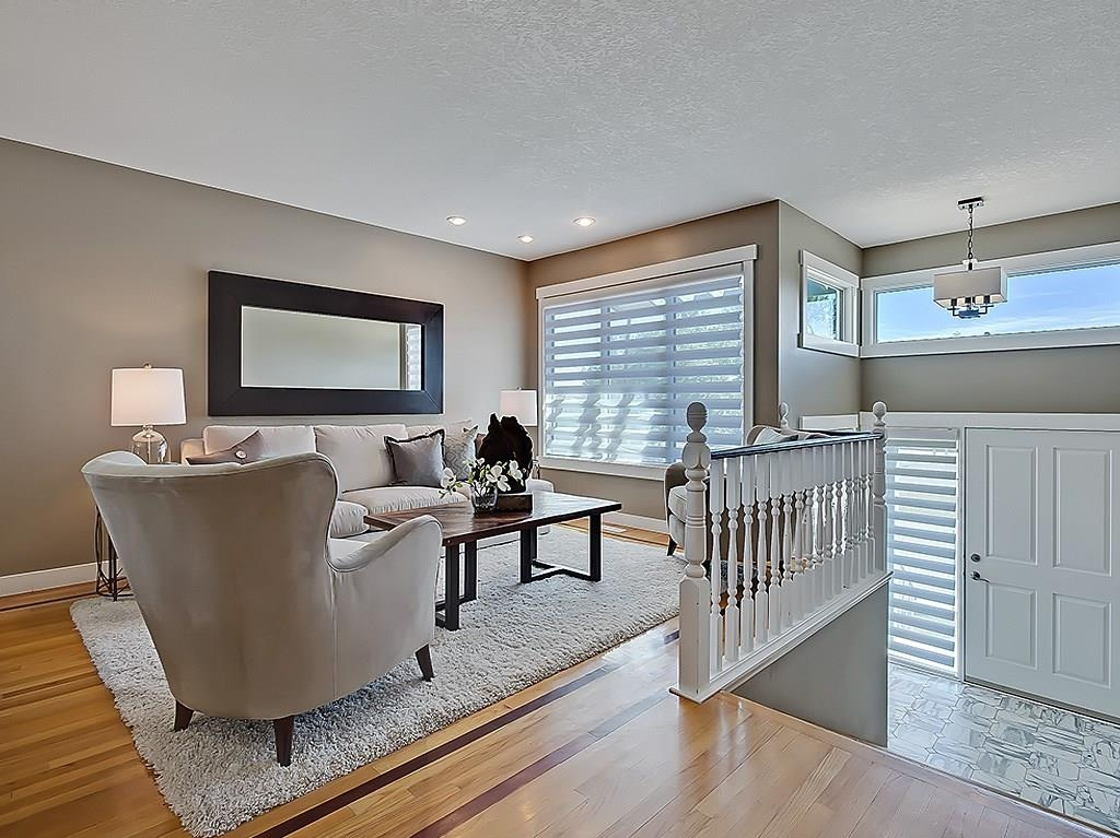 Photo 6: 31 WOODMONT Way SW in Calgary: Woodbine House for sale : MLS(r) # C4125485