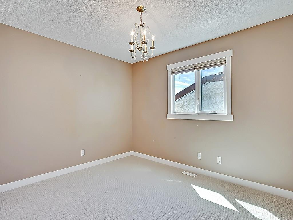 Photo 31: 31 WOODMONT Way SW in Calgary: Woodbine House for sale : MLS(r) # C4125485