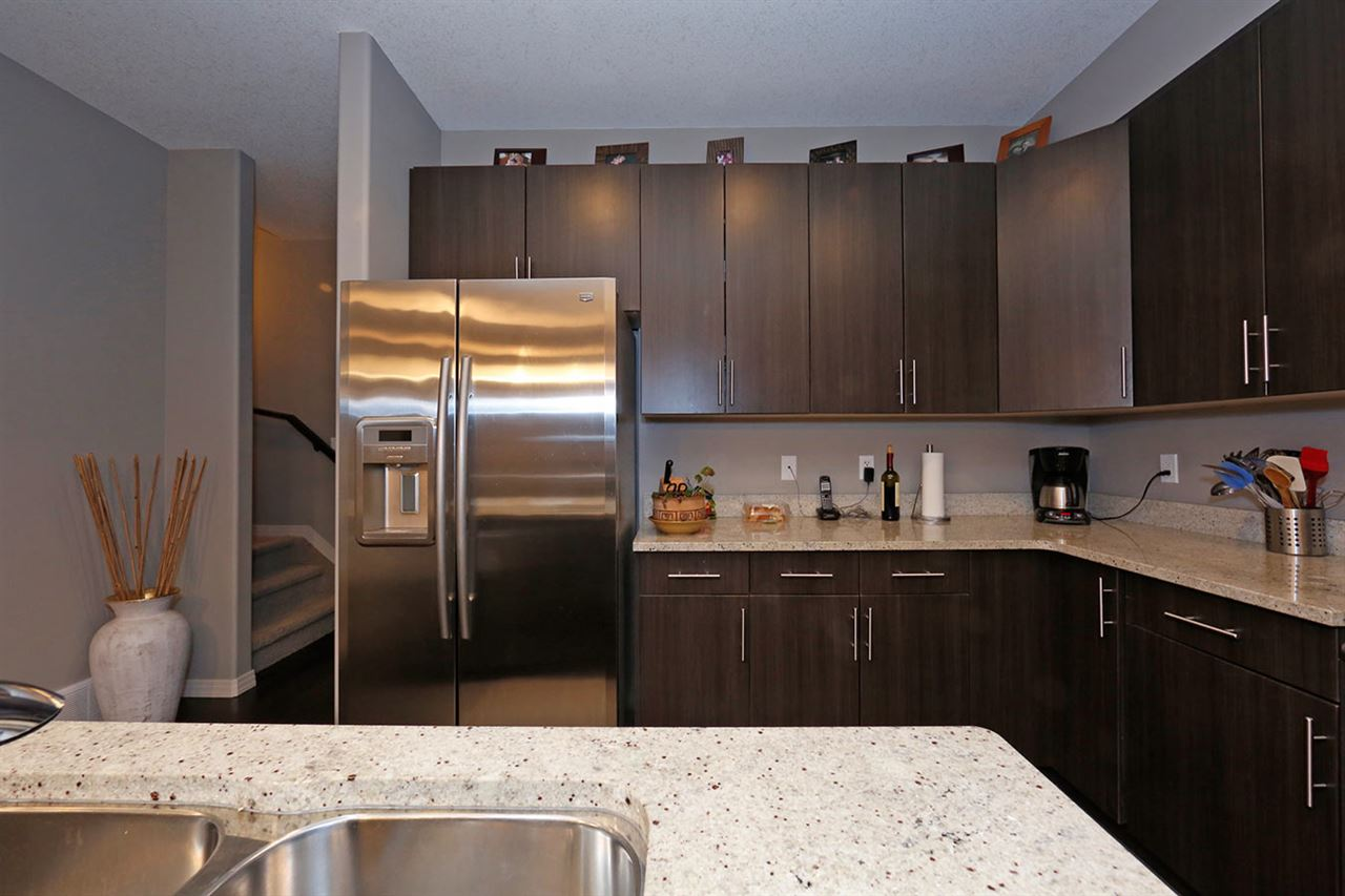 Photo 11:  in Edmonton: Zone 27 Townhouse for sale : MLS(r) # E4073931