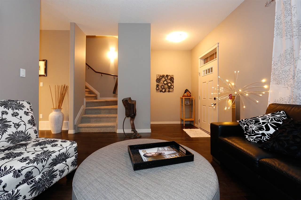 Photo 7:  in Edmonton: Zone 27 Townhouse for sale : MLS(r) # E4073931