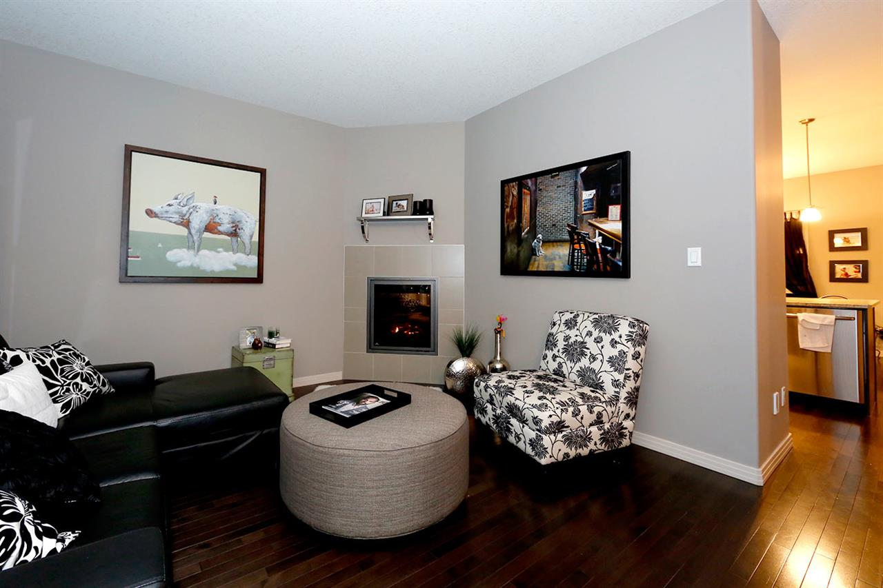 Photo 4:  in Edmonton: Zone 27 Townhouse for sale : MLS(r) # E4073931