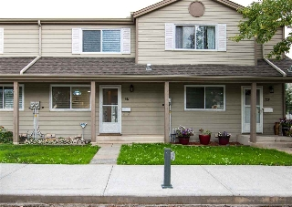 Main Photo: 721 VILLAGE Drive: Sherwood Park Townhouse for sale : MLS® # E4076911