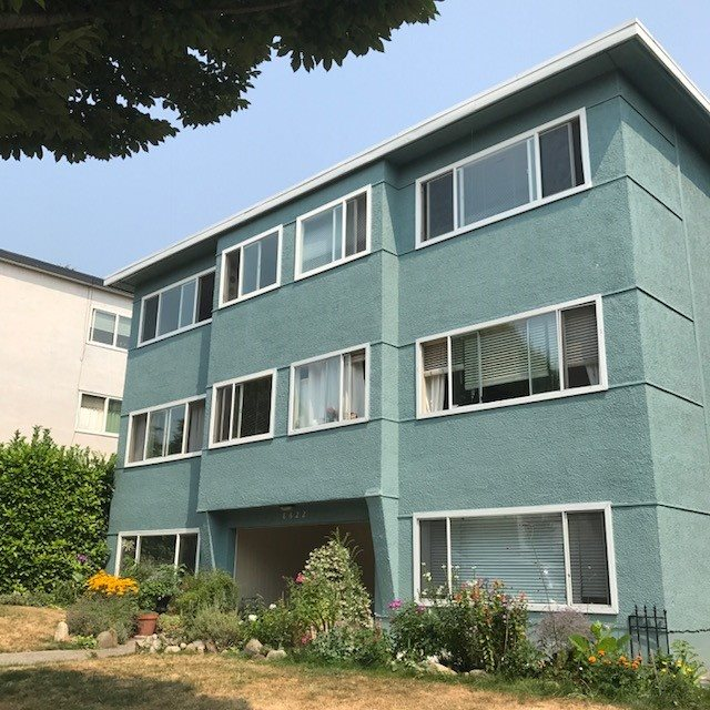 "Main Photo: 105 8622 SELKIRK Street in Vancouver: Marpole Condo for sale in ""SELKIRK MANOR"" (Vancouver West)  : MLS® # R2196344"