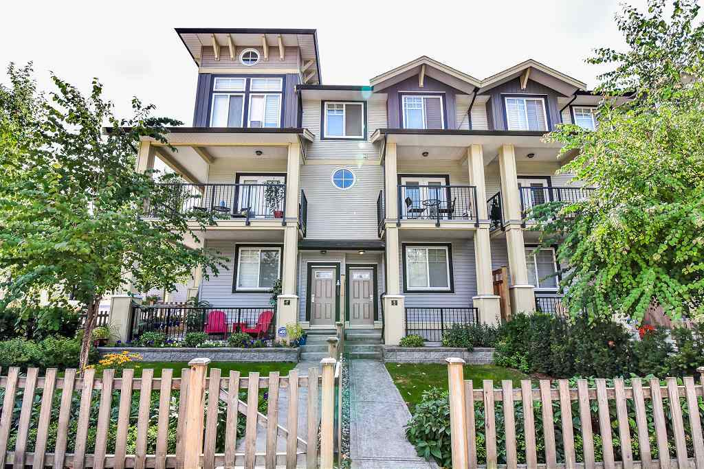Main Photo: 2 13886 62 Avenue in Surrey: Sullivan Station Townhouse for sale : MLS® # R2197966