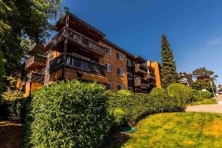 "Main Photo: 211 1011 FOURTH Avenue in New Westminster: Uptown NW Condo for sale in ""Crestwell Manor"" : MLS® # R2198844"