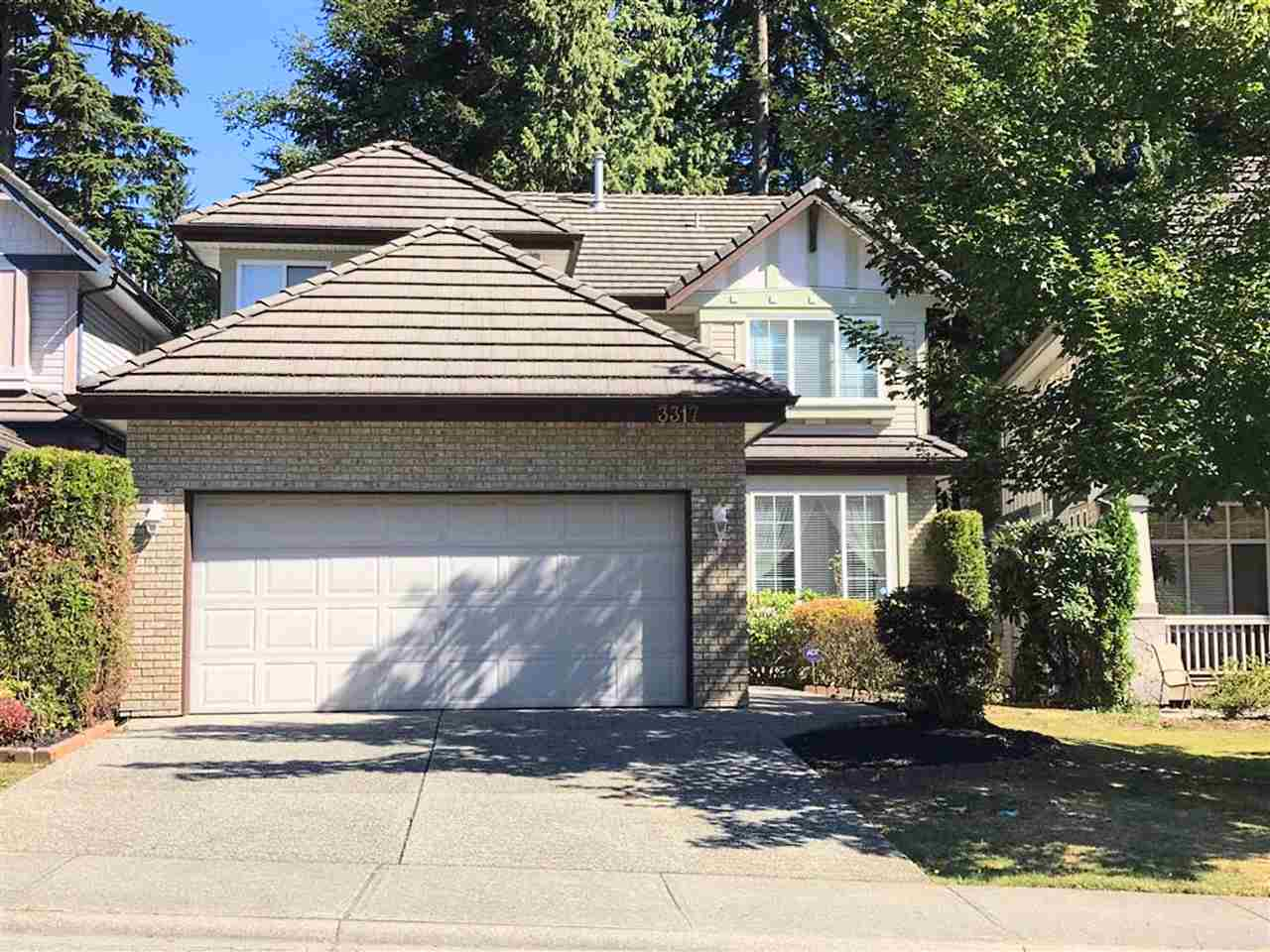 "Main Photo: 3317 CHARTWELL GREEN in Coquitlam: Westwood Plateau House for sale in ""Chartwell Green"" : MLS® # R2203108"