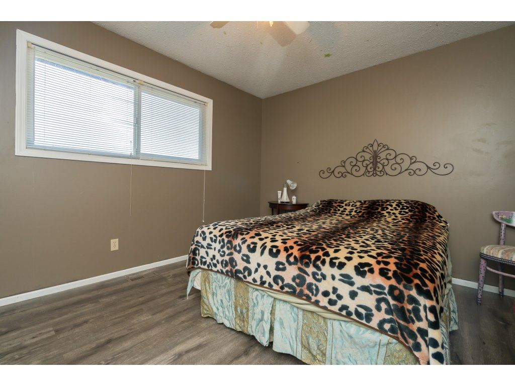 Photo 11: 2223 DURHAM Place in Abbotsford: Abbotsford East House for sale : MLS® # R2204538