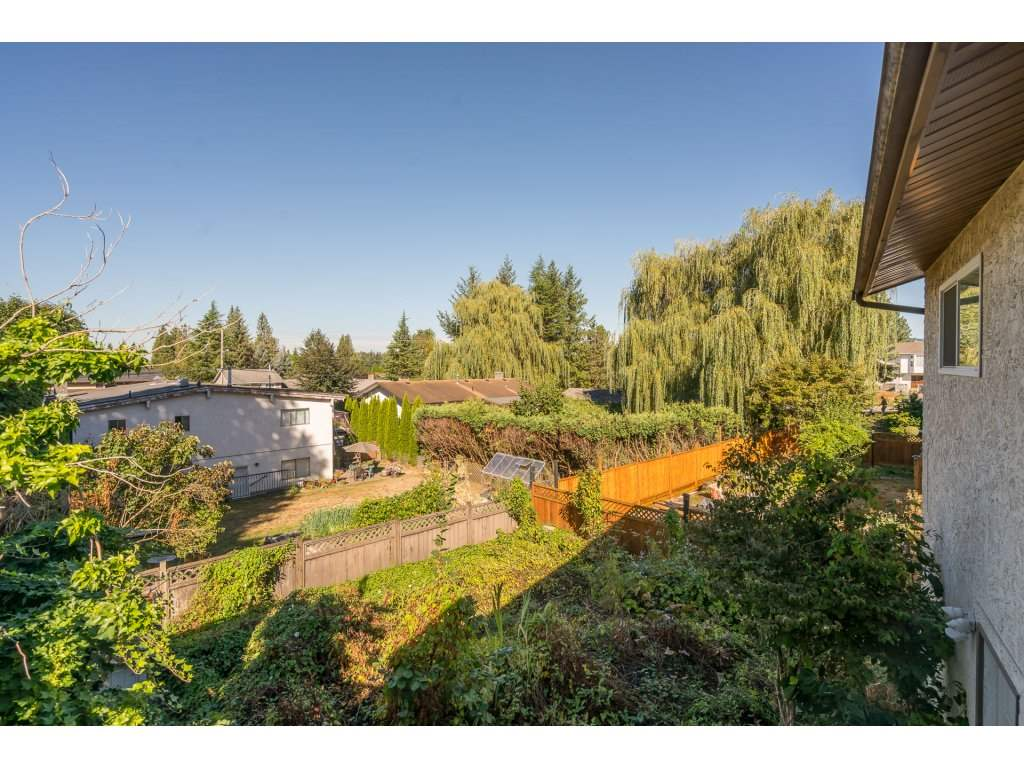 Photo 20: 2223 DURHAM Place in Abbotsford: Abbotsford East House for sale : MLS® # R2204538