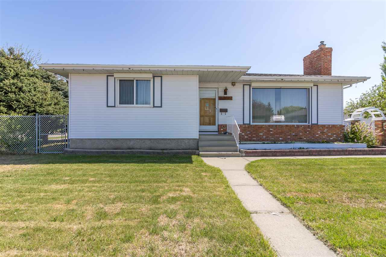 Main Photo: 15445 102 Street in Edmonton: Zone 27 House for sale : MLS®# E4111264