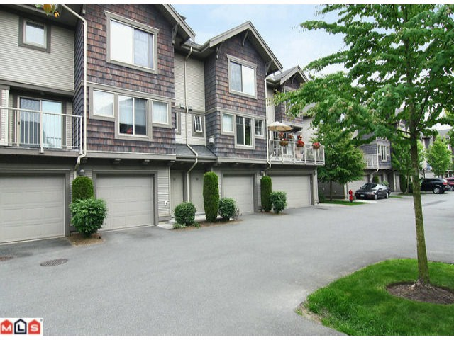 "Main Photo: 50 20761 DUNCAN Way in Langley: Langley City Townhouse for sale in ""Wyndham Lane"" : MLS®# F1115526"