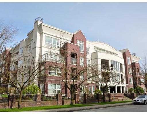 Main Photo: 202 2335 Whyte Avenue in Port Coquitlam: Central Pt Coquitlam Condo for sale : MLS® # V933714