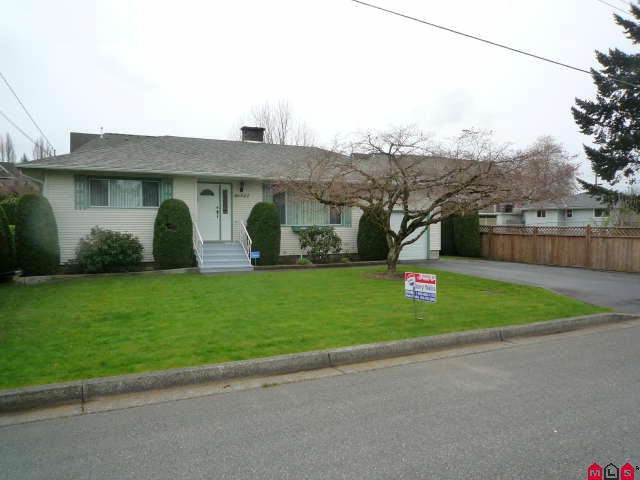 Main Photo: 46542 Pine Avenue in Chilliwack: House for sale : MLS® # H1101747