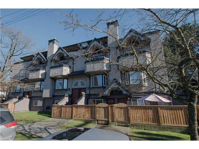 Main Photo: 2310 VINE Street in Vancouver: Kitsilano Townhouse for sale (Vancouver West)  : MLS® # V1045523